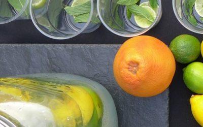 Minz-Limonade mit Rosenwasser