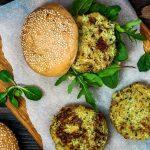Couscous Crunchy Burger auf Papier