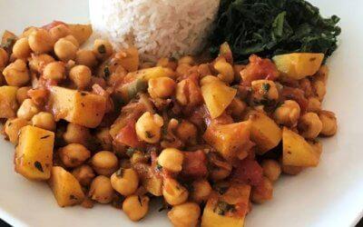 Kichererbsen-Curry mit Kokosreis und Joghurt-Minz-Dip